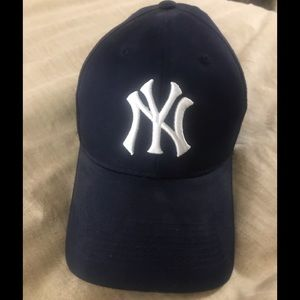 Classic NY YANKEES Official 🧢